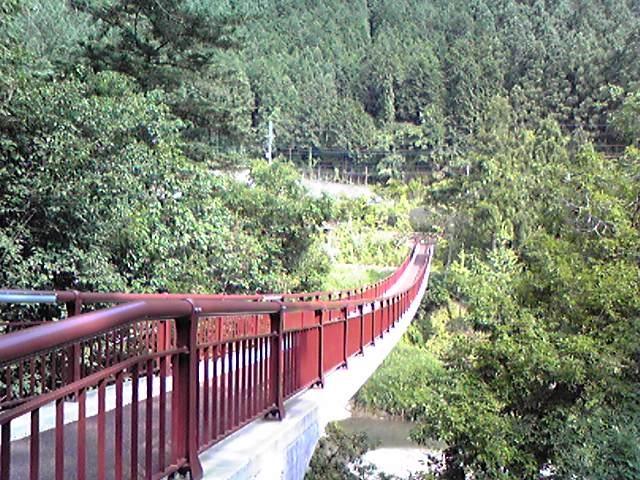 瀬音の湯つり橋