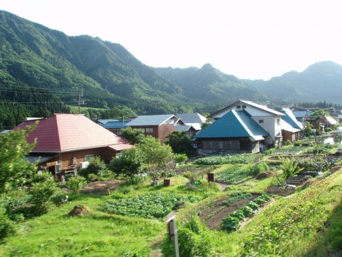 野沢の集落