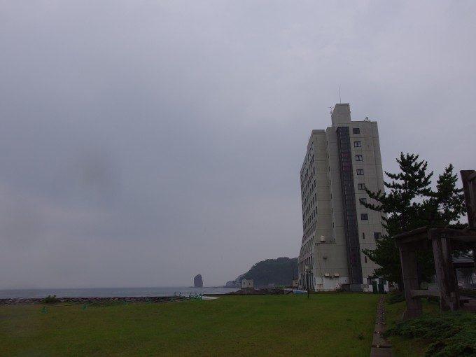 海沿いに立つ浅虫さくら観光ホテル