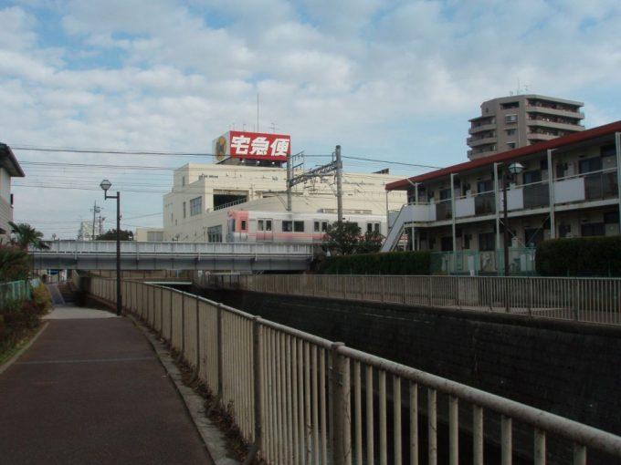 神田川を渡る井の頭線