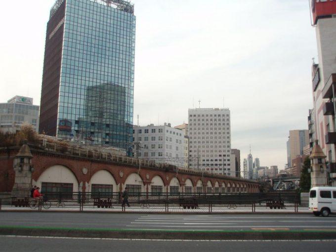 甲武鉄道レンガ積みの高架橋