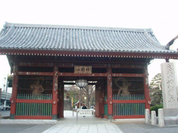 護国寺の山門