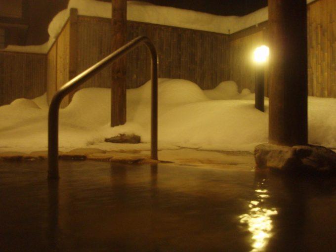 天人峡温泉御やどしきしま荘夜の雪見風呂