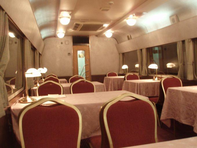 非日常の空間・北斗星食堂車グランシャリオ