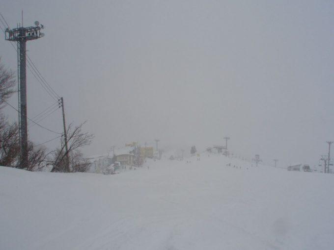 吹雪の石内丸山スキー場