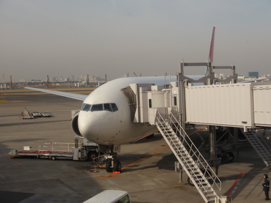 JAL777