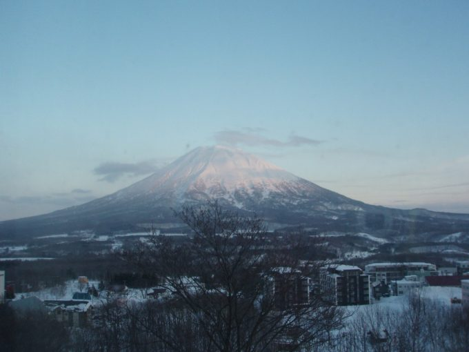 ホテルからの羊蹄山の眺め