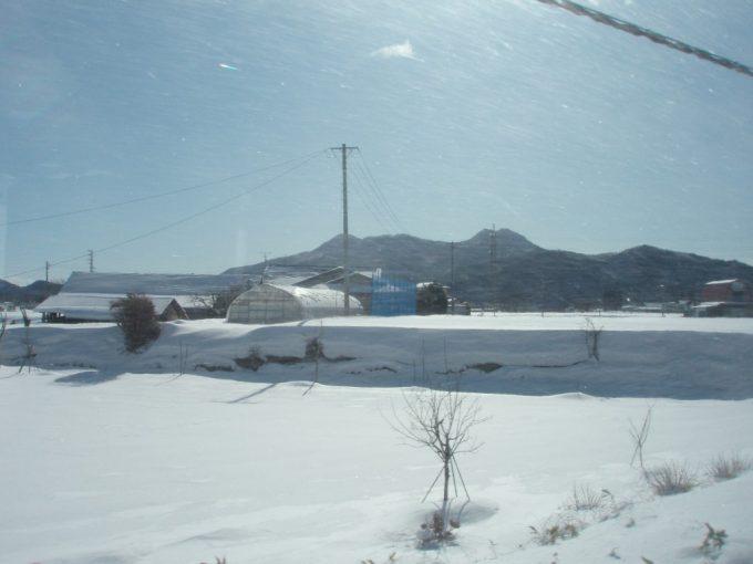 岩手雪原の車窓