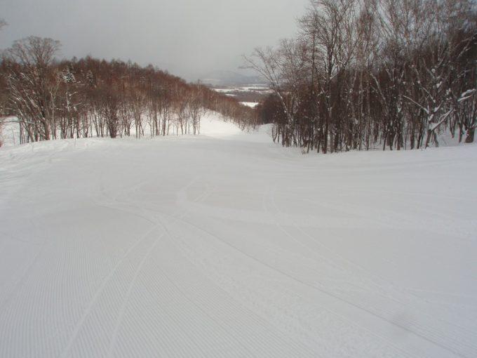 ニセコグランヒラフ花園エリア気持ちの良い圧雪ゲレンデ