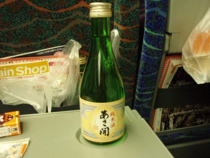 新幹線車内であさ開純米酒