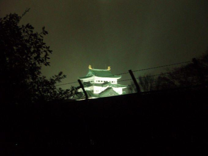 夜の名古屋城遠景
