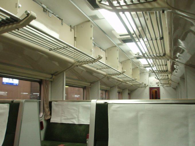 国鉄型583系急行きたぐに号自由席車内