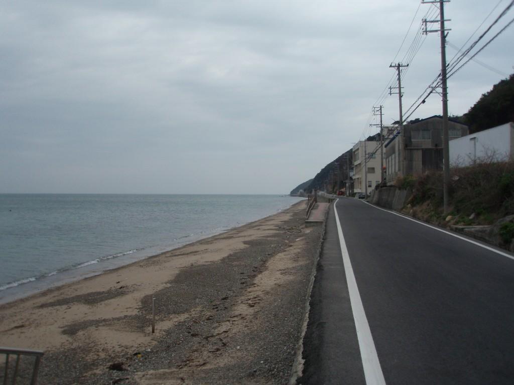 淡路島海沿いの道