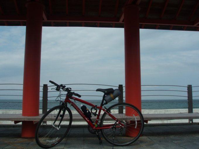 淡路島の海と愛車