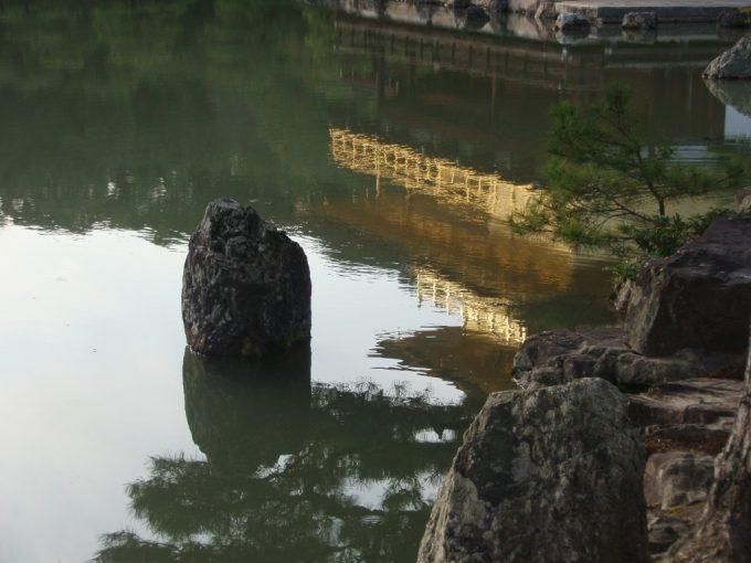 池に映る逆さ金閣
