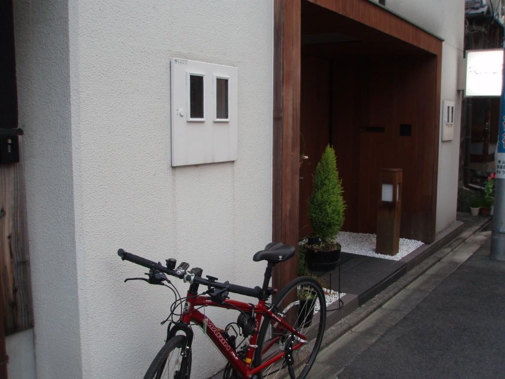 ペンション祇園入口と愛車
