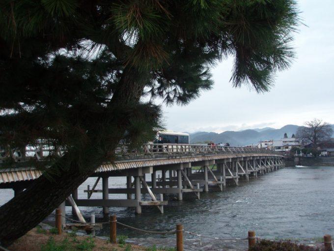 松越しの渡月橋