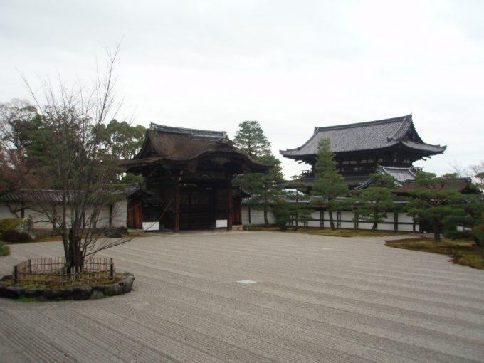 仁和寺の枯山水庭園