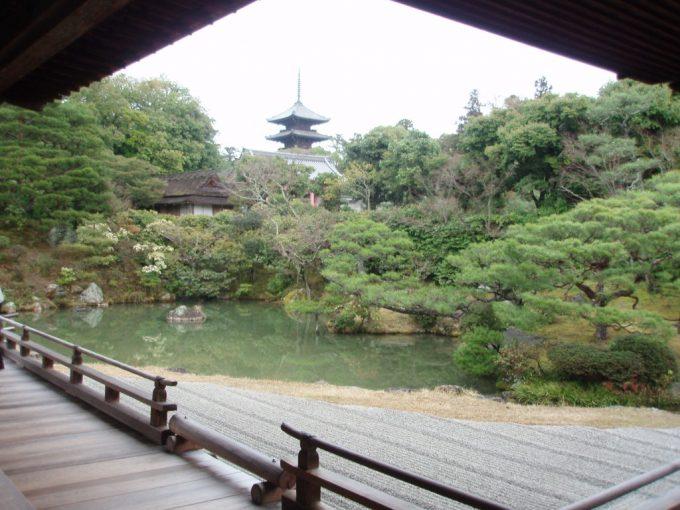 仁和寺の庭園