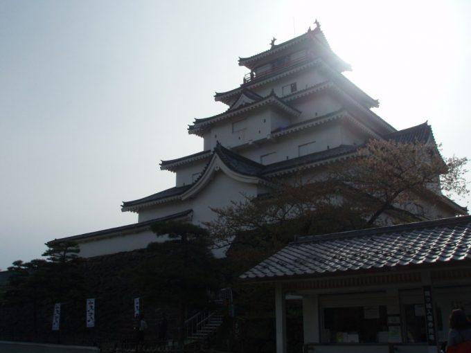 光り輝く鶴ヶ城