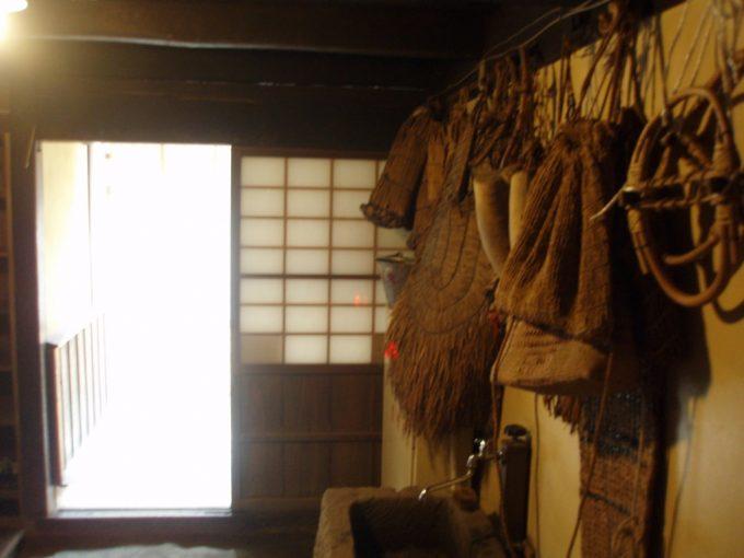 大内宿山本屋の農具