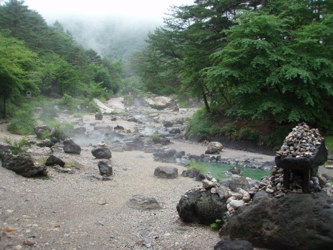 草津荒涼とした西の河原