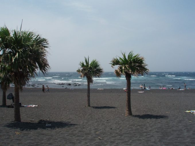 伊豆大島弘法の浜海水浴場