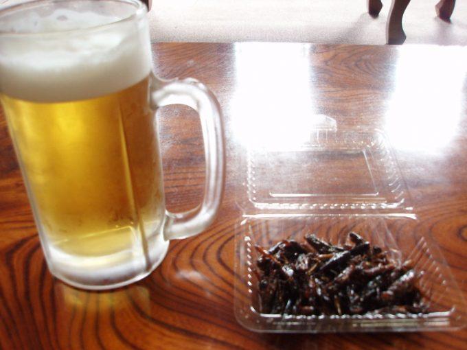 上諏訪温泉重要文化財片倉館重厚な休憩室で湯上がりのビールといなご
