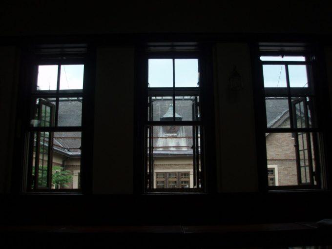 上諏訪温泉重要文化財片倉館重厚な休憩室で過ごす湯上がり