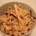 だしいらず簡単松茸ご飯・秋鮭のピリ辛ちゃんちゃん焼き・キャベツとツナの炒め煮・長芋とオクラの塩昆布和え