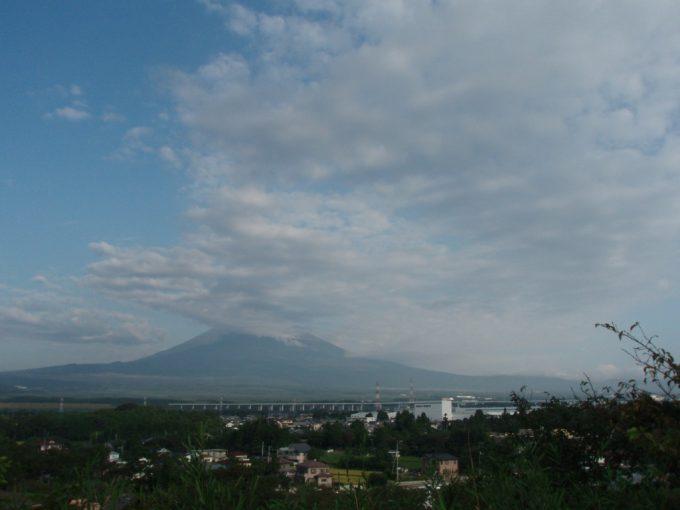 御殿場時之栖裏山からの雄大な富士