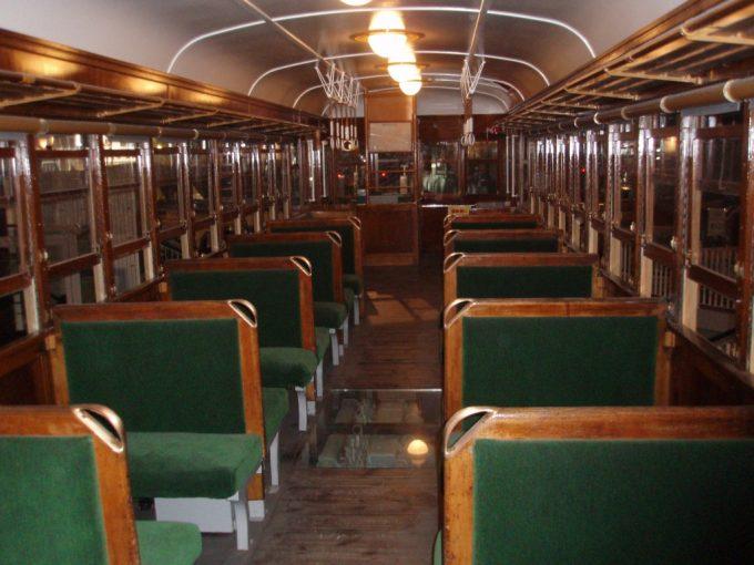 鉄道博物館旧型ディーゼルカー車内