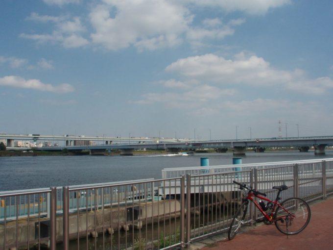 荒川平井大橋