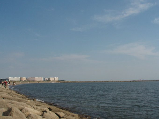 葛西臨海公園よりTDLと房総半島を望む
