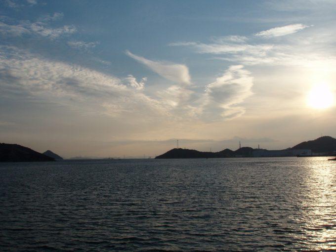 夕陽に輝く瀬戸内海