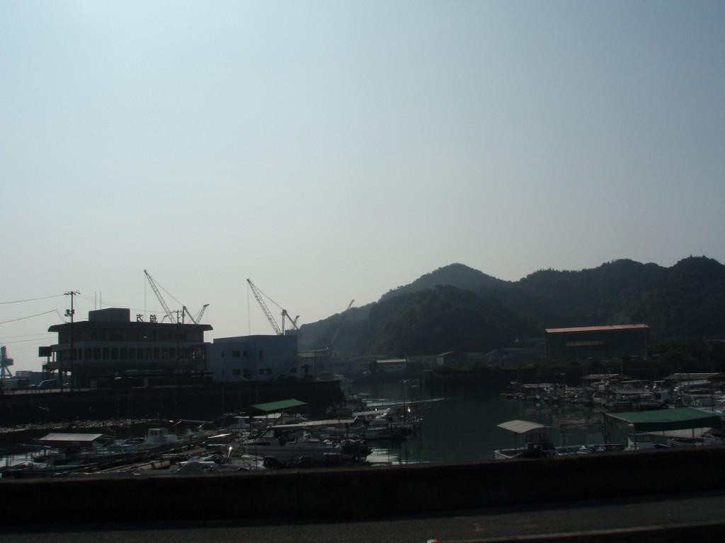伯方島朝の港