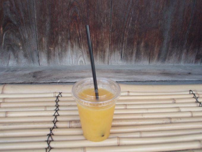 道後温泉本館湯上りのみかんジュース