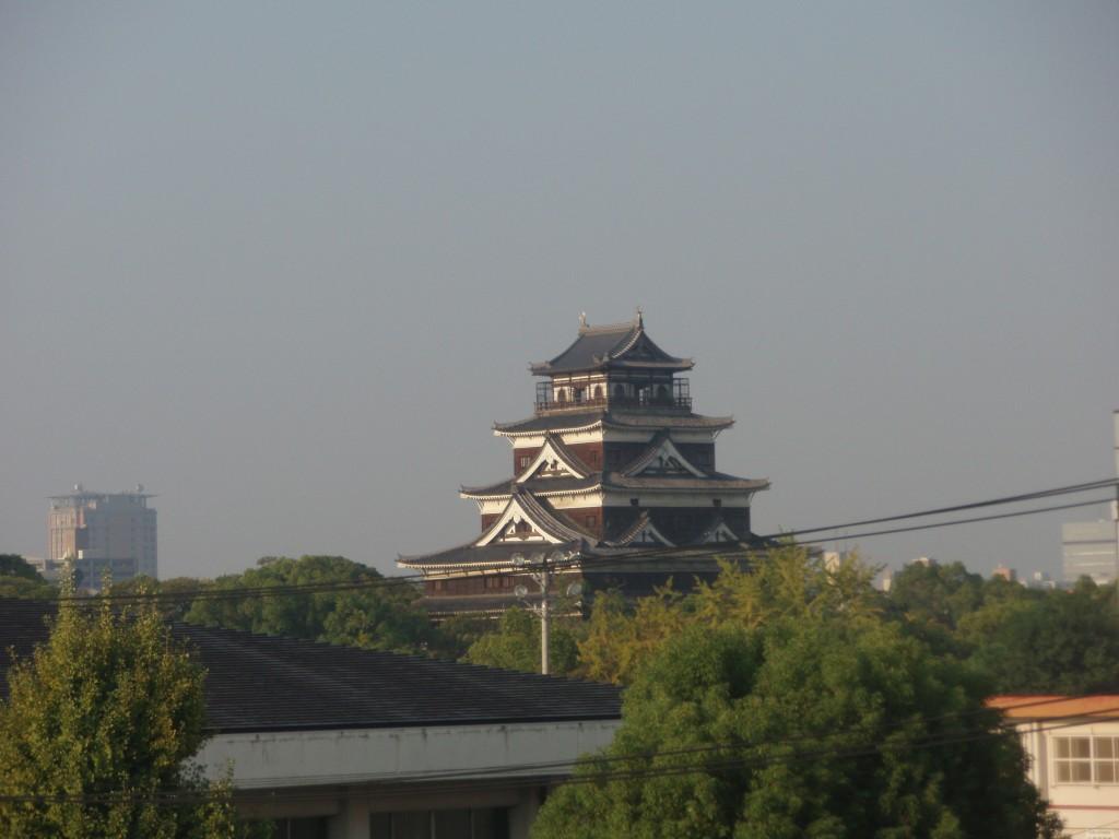 ホテルからの広島城