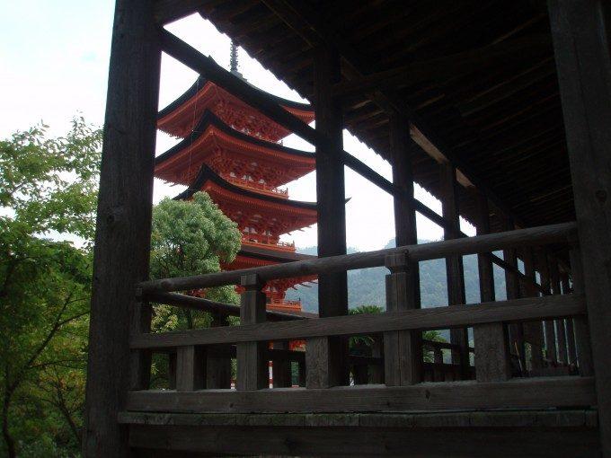宮島千畳閣越しの五重塔