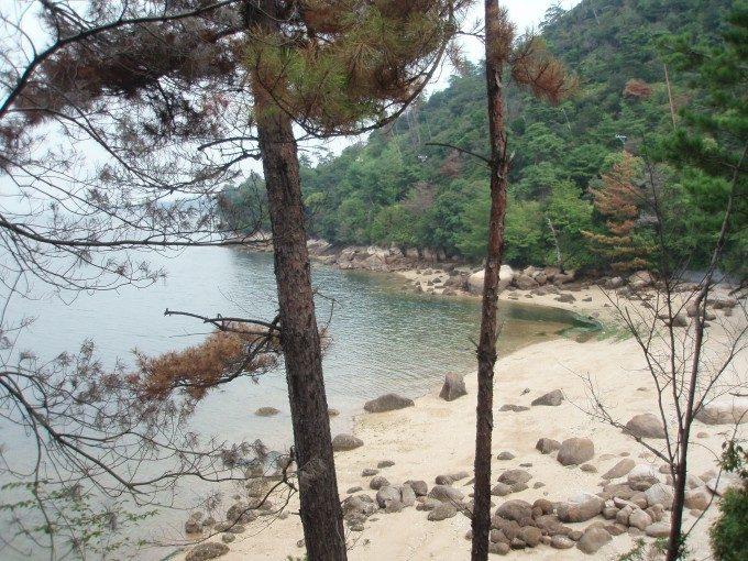 宮島の静かな入り江