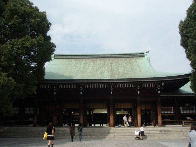 秋空の明治神宮