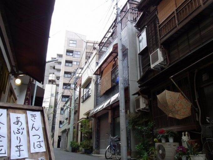 浅草近くの静かな路地