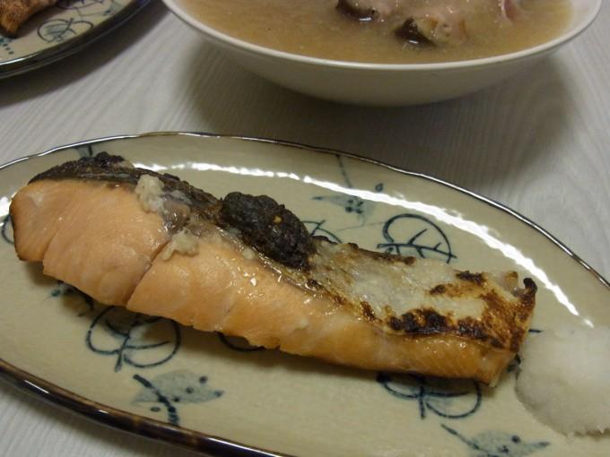 秋鮭の塩麹漬け焼き