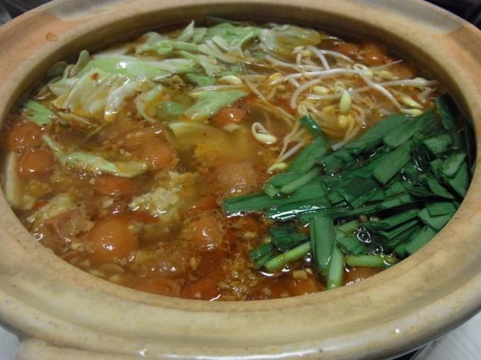 ピリ辛中華風フレッシュトマト鍋