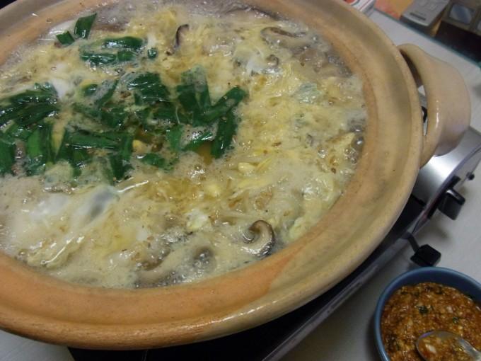 カルビスープ風牛すじかき玉鍋