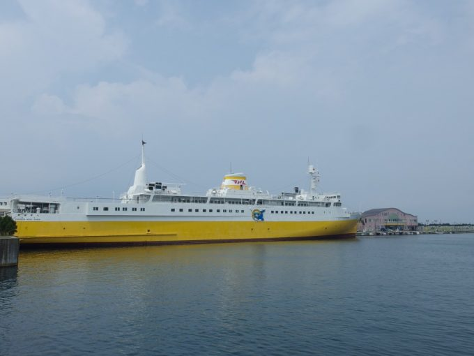 凪の海に浮かぶ海峡の女王青函連絡船