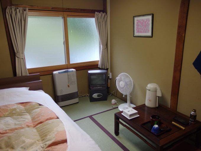 日本三秘湯谷地温泉客室