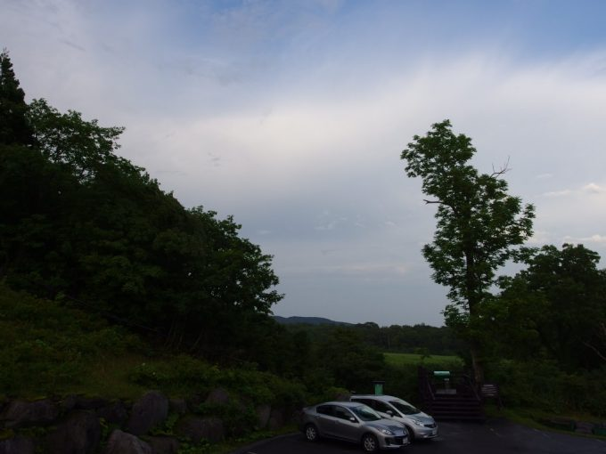 日本三秘湯谷地温泉部屋から見える湿原
