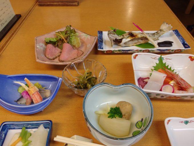 日本三秘湯谷地温泉夕食