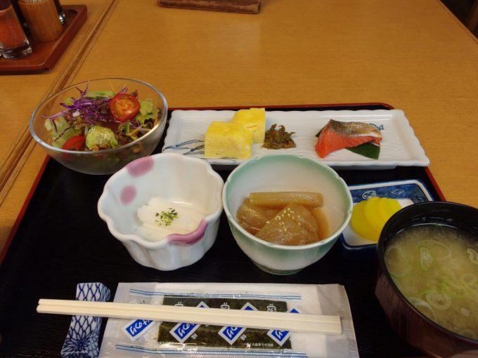 日本三秘湯谷地温泉朝食